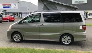 Toyota Alphard  4 Berth