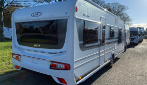 LMC Exquisit VIP 595  4 Berth
