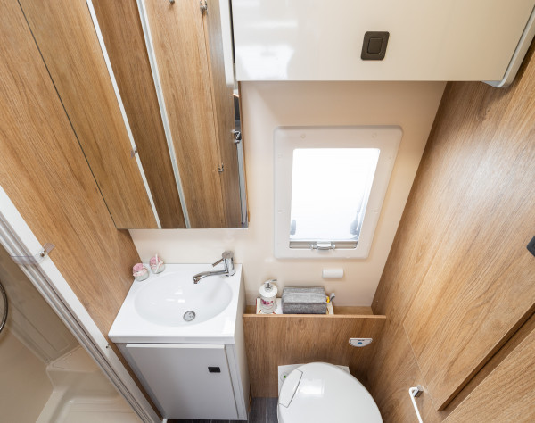 2020 Roller Team T-Line 590 (Automatic) New Motorhome bathroom