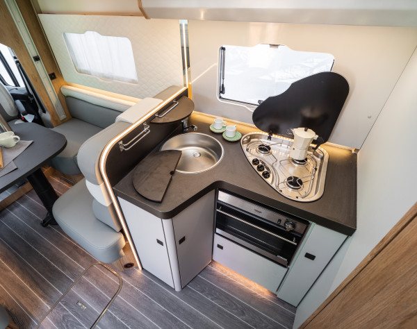 2020 Roller Team T-Line 590 (Automatic) New Motorhome kitchen facilities
